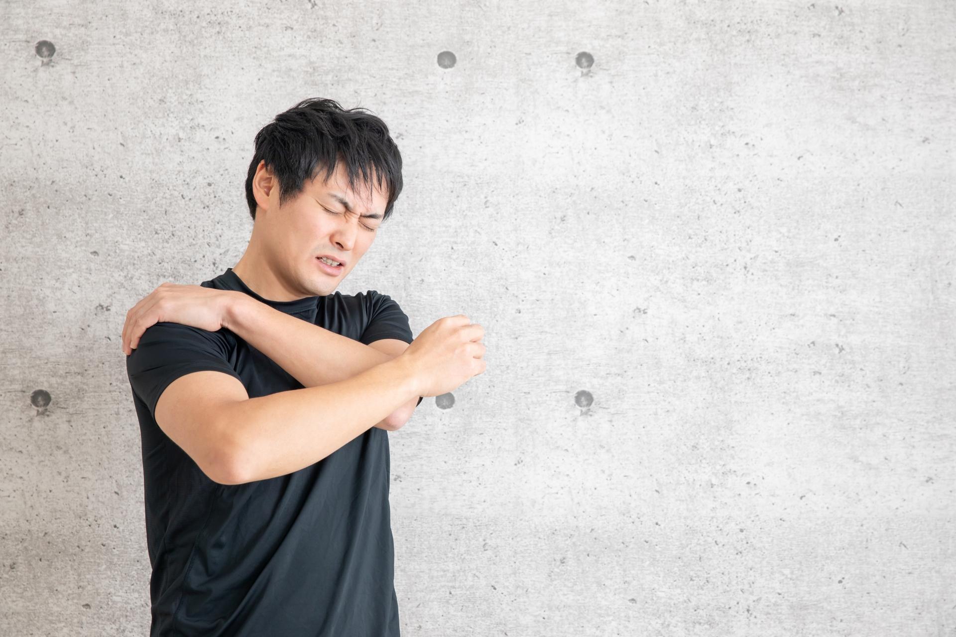 肩の上の痛み