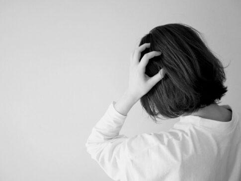 肩こり頭痛の画像